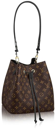As if things couldn't get any better for our favorite Louis Vuitton Noe Bag, suddenly comes this beautiful rendition of it in the newest and latest NeoNoe Bag. You can look closer and compare them …Shared by Career Path Design. Handbags Michael Kors, Fashion Handbags, Purses And Handbags, Fashion Bags, Ootd Fashion, Tote Handbags, Trendy Fashion, Fashion Outfits, Womens Fashion