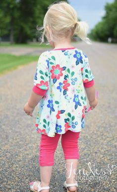 The Posey Tunic is a perfect little swing top! The shape allows for plenty of movement while allowing your girl to run and play. The length makes it perfect to show off your favorite leggings or bloomers and pairs perfectly with the Sew Like My Mom Peony Leggings! With 4 sleeve options