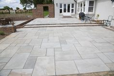 Flagstone Walkway and Patio Design Reston VA - Steadfast Construction patio garden ideas Paving Stone Patio, Flagstone Walkway, Bluestone Patio, Brick Patios, Walkways, Stone Patios, Outdoor Paving, Garden Paving, Paving Slabs