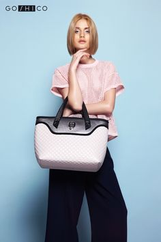http://goshico.com/en/medium-top-handles-shoulder-coffer-bag-flowerbag-light-material.html PRICE: 98.04 €