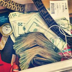 Money flows to me like magic