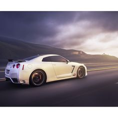 Nissan GTR - this is seriously my dream car