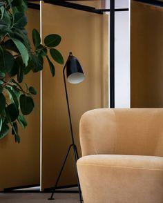 GUBI // Gräshoppa Floor Lamp, Stay Lounge Chair https://decdesignecasa.blogspot.it