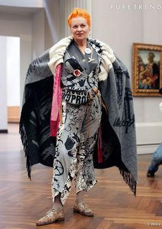 Cultissime Vivienne Westwood - instead of a boring coat, turn a wool blanket or throw into a cape with a simple casing and a scarf. Harajuku Girls, Vogue Fashion, 90s Fashion, Vivienne Westwood, Nu Goth, Girl Japanese, Japanese Fashion, God Save The Queen, Mode Punk