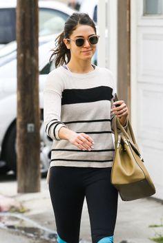Nikki Reed foi vista e fotografada, mais uma vez,  chegando ao Tracy Anderson Studios, onde pratica exércicios. As fotos são da sexta-feira (21) e, como sempre, a atriz estava bem humorada no momento dos cliques.