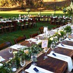 Super relaxed vineyard vibe ! #designed by @modernlaweddings #love the colors and the mixed textures , this setting will do perfect at any #wedding , elegant or casual , day or night ! #perfect !!! #weddingday #weddingblog #weddingboard #weddingdecor #weddingstyling #inspirationboards #inspiration #instaweddings #pinterest #planningawedding #picoftheday #table #flowers #decor #destinationwedding #outdoor #garden #forksnbrides