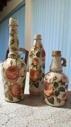 Hecho por Mari...decoupage, craquelado y pátina dorada Decoupage, Altered Bottles, Bottle Painting, Bottle Crafts, Diy And Crafts, Craft Projects, Birthdays, Basket, Decoration