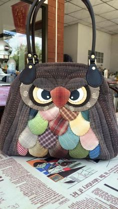 Patchwork Bags, Quilted Bag, Fabric Bags, Felt Fabric, Denim Bag Patterns, Sacs Tote Bags, Sewing Crafts, Sewing Projects, Owl Purse