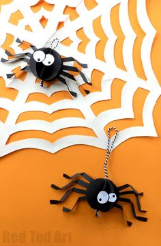 Paper Spider Craft - How to make a 3d Spider out of Paper. Oh yes, it is super duper CUTE Halloween Decor time. We love paper crafts, and this adorable Paper Halloween DIY is super easy to make. The kids can make these too and you will have a quick and easy Halloween Party decorations sorted in no time!