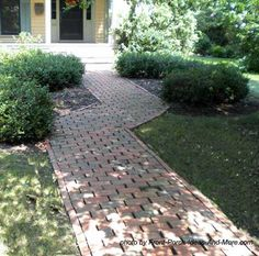 attractive cobblestone look to walkway leading to porch http://www.front-porch-ideas-and-more.com/walkway-ideas.html