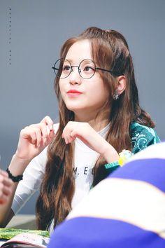 181109 Sangam S-Flex fan signing Korean Girl, Asian Girl, Asian Makeup Looks, Seventeen The8, Fan Signs, Japanese Girl Group, Pledis Entertainment, Korean Celebrities, The Wiz