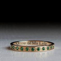 Oro Esmeralda media eternidad anillo - juego de tronos-luna de mi vida - daenerys - dothraki - mi sol y estrellas color verde piedra - apilado de la venda