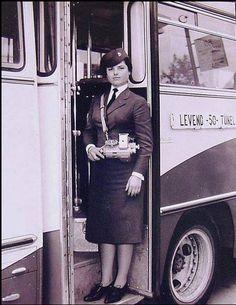 Levent-Tunel otobus hattı kadın biletcisi-1960 lar