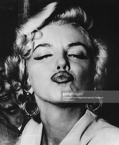 Marilyn Monroe - Weegee If there was one constant lover in the troubled romantic life of Marilyn Monroe, it was the camera. Here she is, returning some affection. The Best Kisses In History? Marilyn Monroe, Weegee, Best Kisses, I Love Lucy, Human Behavior, Norma Jeane, Stanley Kubrick, Rare Photos, Hollywood Stars