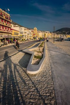 https://flic.kr/p/zWCpJJ | Ride your Shadow at Samos new seafront area
