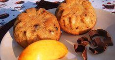Az alma és az étcsoki príma páros egy finom kis puha muffinban. Gyorsan elkészíthető, kevés alapanyagból. Lehet egy hétköznapi ebéd kiegész... Muffin, Breakfast, Food, Morning Coffee, Essen, Muffins, Meals, Cupcakes, Yemek
