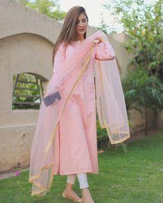 Casual Indian Fashion, Pakistani Fashion Party Wear, Indian Fashion Dresses, Dress Indian Style, Indian Designer Outfits, Pakistani Outfits, Indian Outfits, Pakistani Casual Wear, Indian Dresses For Women