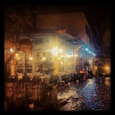 Tsinari, the oldest tavern in Thessaloniki, during the night. (Walking Thessaloniki / Route Ano Poli b) Crete Greece, Thessaloniki, Macedonia, Places Ive Been, Travel Guide, Islands, Old Things, Exterior, Memories