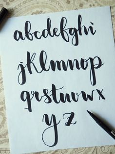 Brush lettering alphabet **preferred 'y' Doodle Lettering, Types Of Lettering, Brush Lettering, Bullet Journal Fonts, Zentangle, Letras Cool, Rose Meaning, Tips & Tricks, Handwriting Fonts