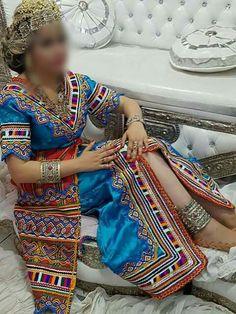 Robe Bérbere kabyle Algérienne #algeriantraditionaldresses #Algérie #الجزائر…