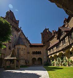 En la serie de Castillos de cuento: Burg Kreuzenstein (Austria)