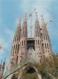 Jennifer Sills #lasagradafamilia #travel #spain #jennifersills #beautiful #church #gaudi