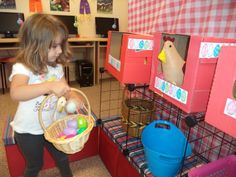 dramatic play - hen house Dramatic Play Area, Dramatic Play Centers, Preschool Centers, Fall Preschool, Farm Activities, Preschool Activities, Farm Lessons, Role Play Areas, Farm Day