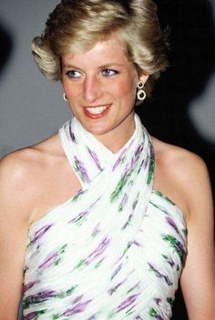 Diana, Princess of Wales, attends a State Banquet during her official visit to Nigeria on March 1990 in Lagos, Nigeria. The princess wears a Catherine Walker dress. Get premium, high resolution news photos at Getty Images Princess Diana Hair, Princess Diana Pictures, Princess Of Wales, Lady Diana Spencer, Banquet, Animal Print Swimsuit, Catherine Walker, Diane, Summer Beauty