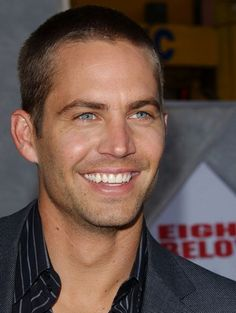 Paul Walker Eight Below Premiere --- man the crush my friend and I had on you.... lol! we laugh about it often :)