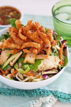 A chicken salad recipe that is healthy and so easy to make. It tastes so good you'll want to eat this Chinese chicken salad every day. | rasamalaysia.com