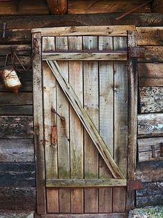 Cabin Door Printed Photography Backdrop / 1012