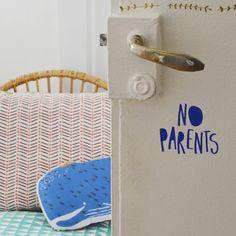 Mini sticker - No Parents