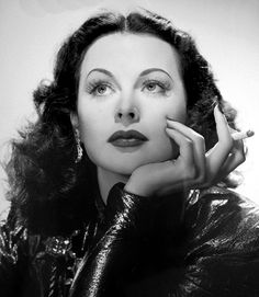 Hedy Lamar, I think, of all the classic femme fatales of early Hollywood- is my favorite. Hollywood Vintage, Old Hollywood Glamour, Golden Age Of Hollywood, Classic Hollywood, Hollywood Jewelry, Hollywood Fashion, Hollywood Gowns, Hollywood Hair, Hollywood Couples