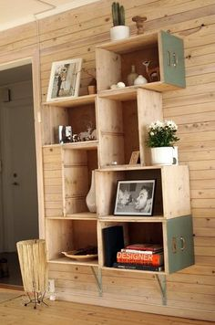 Home - Decoration - Recycled: Crates, Pallets and Drawers - Bring it on in Recycling!