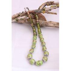 Collier de perles de verre à motif vert olive, monté sur câble, Magnifique collier!