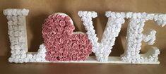 love em flores letras decorativas completa em mdf lembrança Flower Letters, Diy Letters, Letter A Crafts, Flower Crafts, Diy Flowers, Flower Art, Paper Flowers, Bachelorette Decorations, Wedding Decorations