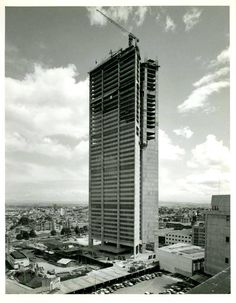 construcción banco cafetero años 70 Liverpool, Skyscraper, Multi Story Building, History, Country, City, Photography, Buildings, Tech