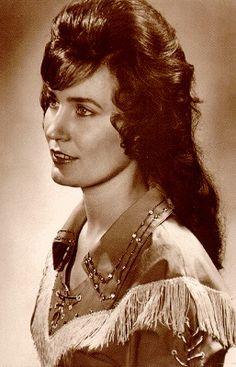 Loretta Lynn   Loretta Lynn (born Loretta Webb on April 14, 1935)....Country Glamour!