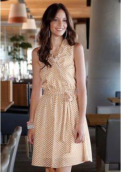 "Платье - http://www.quelle.ru/New_arrivals/Women_fashion/Women_dresses/Daily_dresses/Plate__r1215404_m289382.html?anid=pinterest&utm_source=pinterest_board&utm_medium=smm_jami&utm_campaign=board1&utm_term=pin14_14032014  Романтичная модель с эффектом запаха, аккуратными воланами и очаровательным принтом ""сердечки"".  #quelle #dress #soft #romantic #print #hearts #cute"