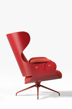 An elegant and comfortable wing chair, Lounger Red, design by Jaime Hayon. Design Furniture, Chair Design, Cool Furniture, Modern Furniture, Canapé Design, Deco Design, Interior Design, Palette Deco, Console Design