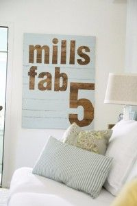 DIY Pallet sign Ideas - DIY Fab 5 Sign  -  Upcycled Pallet Art Cool Homemade Wall Art Ideas and Pallet Signs for Bedroom, Living Room, Patio and Porch. Creative Rustic Decor Ideas on A Budget http://diyjoy.com/diy-pallet-signs-ideas