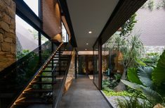 tropical garden Contemporary brick architecture is combined with traditional style stone walls within the build of this house located in Zapopan, Jalisco, Mexico. Interior Garden, Home Interior Design, Exterior Design, Interior And Exterior, Room Interior, Luxury Interior, Modern Interior, Brick Architecture, Interior Architecture