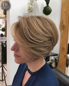 18 Most Popular Short Layered Bob Haircuts That Are Easy to Style Long Stacked Haircuts, Short Stacked Wedge Haircut, Short Layered Bob Haircuts, Short Bob Hairstyles, Everyday Hairstyles, Hairstyles With Bangs, Short Hair Cuts, Cool Hairstyles, Short Hair Styles