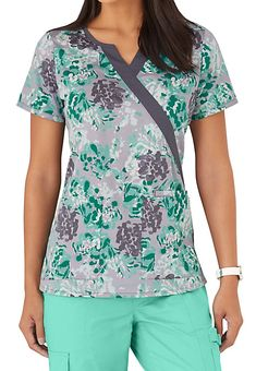 The Beyond Scrubs Julep Garden Crossover Print Scrub Top includes roomy pockets and stretch fabric. Shop for it exclusively at Scrubs & Beyond. Scrubs Outfit, Scrubs Uniform, Stylish Scrubs, Cute Scrubs, Cute Nurse, Corporate Wear, Nurse Costume, Medical Uniforms, Medical Scrubs