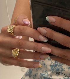 Minimalist Nails, French Nails, Colorful French Manicure, Colourful Nails, Hair And Nails, My Nails, Nails Inc, Jolie Nail Art, Nagellack Trends