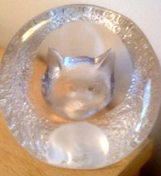 Mats Jonasson Glass Cat paperweight Signed 9176 Swedish Art Glass Clear Frosted
