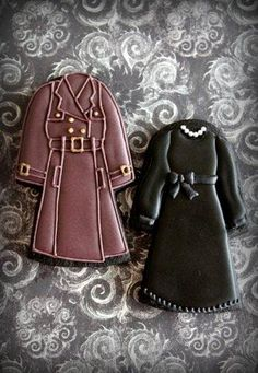 Dress and trench coat cookies