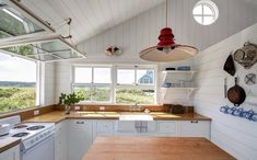 falmouth-beach-cottage-kitchen-2-1.jpg