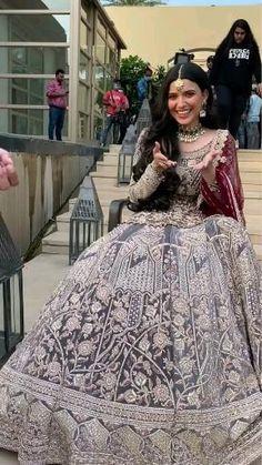 Wedding Dance Video, Indian Wedding Video, Nimrat Khaira Suits, Cute Casual Outfits, Girl Outfits, Pattu Saree Blouse Designs, Pakistani Fashion Casual, Indian Bridal Outfits, Bridal Lehenga Choli