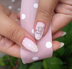 Learn something new and create unique spring nail designs in 2020 ❤ Find the great nail art ideas for spring ❤ See more at LadyLife Spring Nail Art, Nail Designs Spring, Spring Nails, Cute Nails, Pretty Nails, My Nails, Easter Nails, Instagram Nails, Manicure E Pedicure
